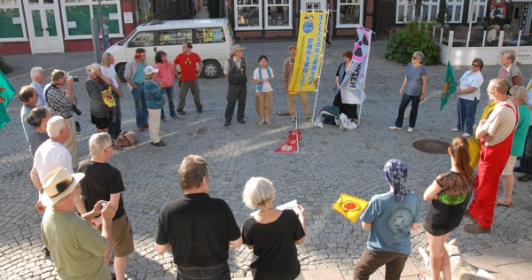 2013-06-10 Dan (Mahnwache mit Jap.) - 20