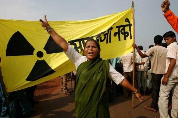 Protest gegen Jaitapur in Indien; Bild: www.urgewald.de