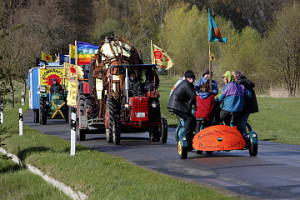 Farbenfroh & friedlich - trotzdem aktenkundig: Treck 2010 nach Krümmel
