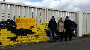 Seit Jahren wird am 6. eines Monats vor dem AKW Brokdorf für den Sofortausstieg demonstriert