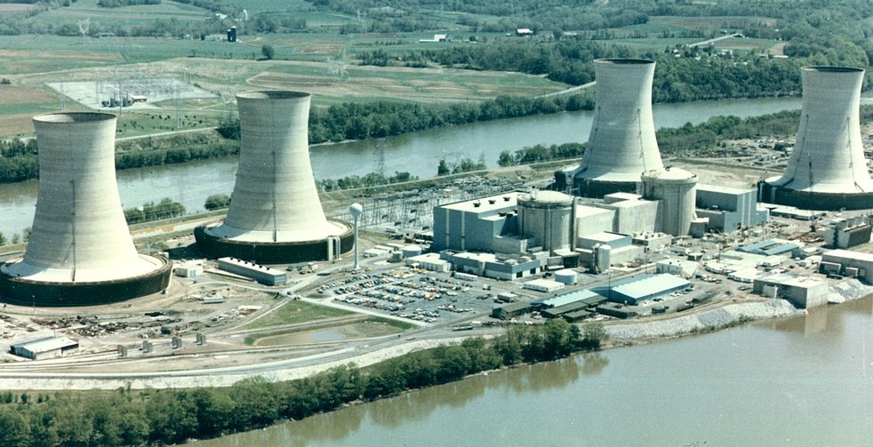 1024px-Three_Mile_Island_Nuclear_Generating_Station_1