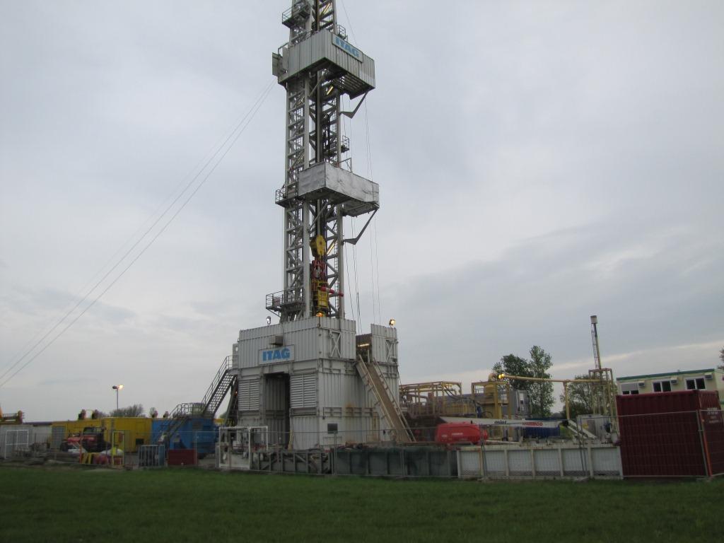 2018-04 Bohrturm auf Brunau 1a